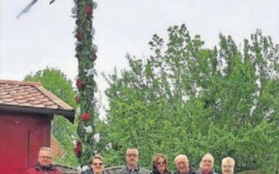 13.05.2019 EZ: Maibaum des Dorfverein Larrelt